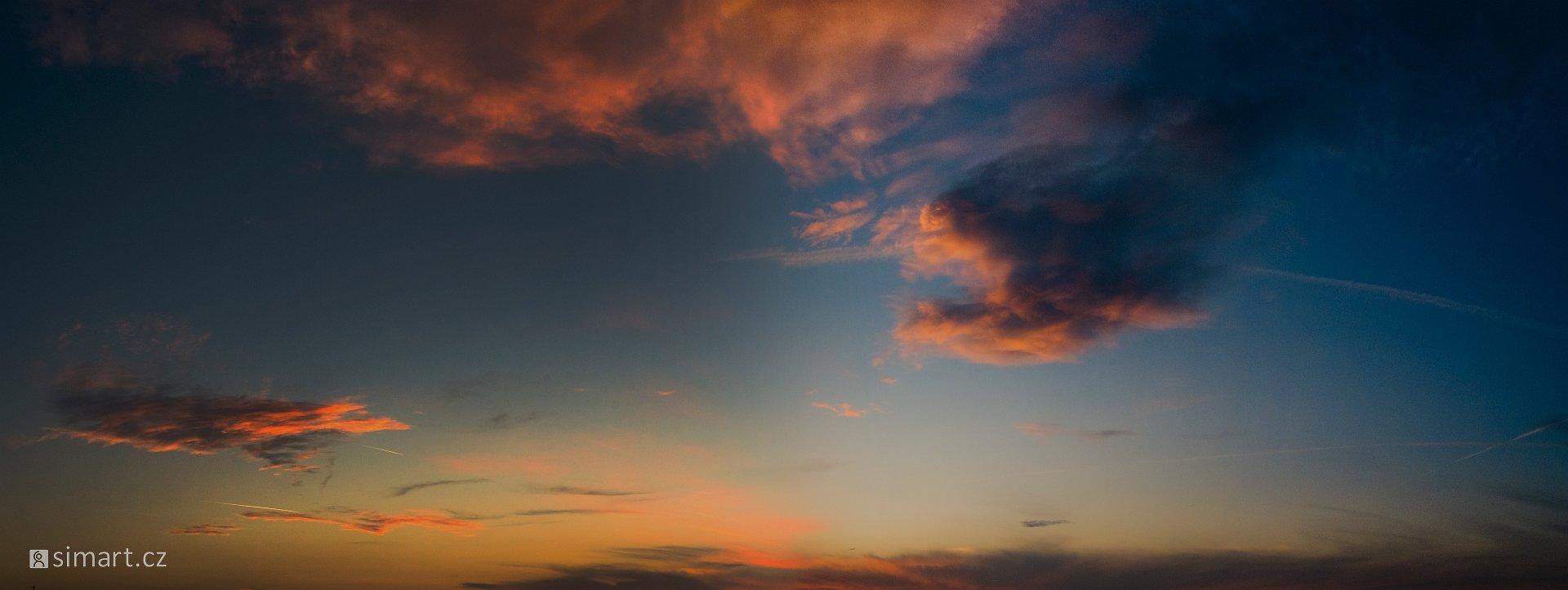 slides/obloha.jpg Panorama, Toulky obloha